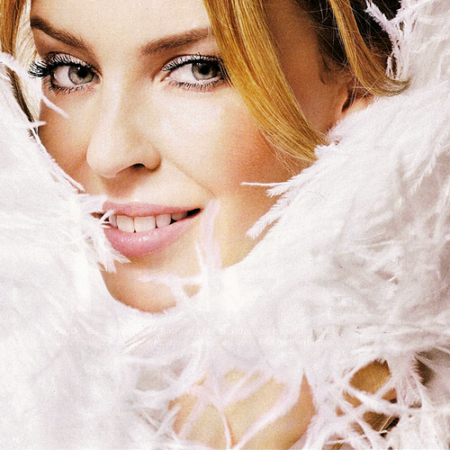 "Kylie Minogue's ""Skirt"" is a poor commercial for her new album"