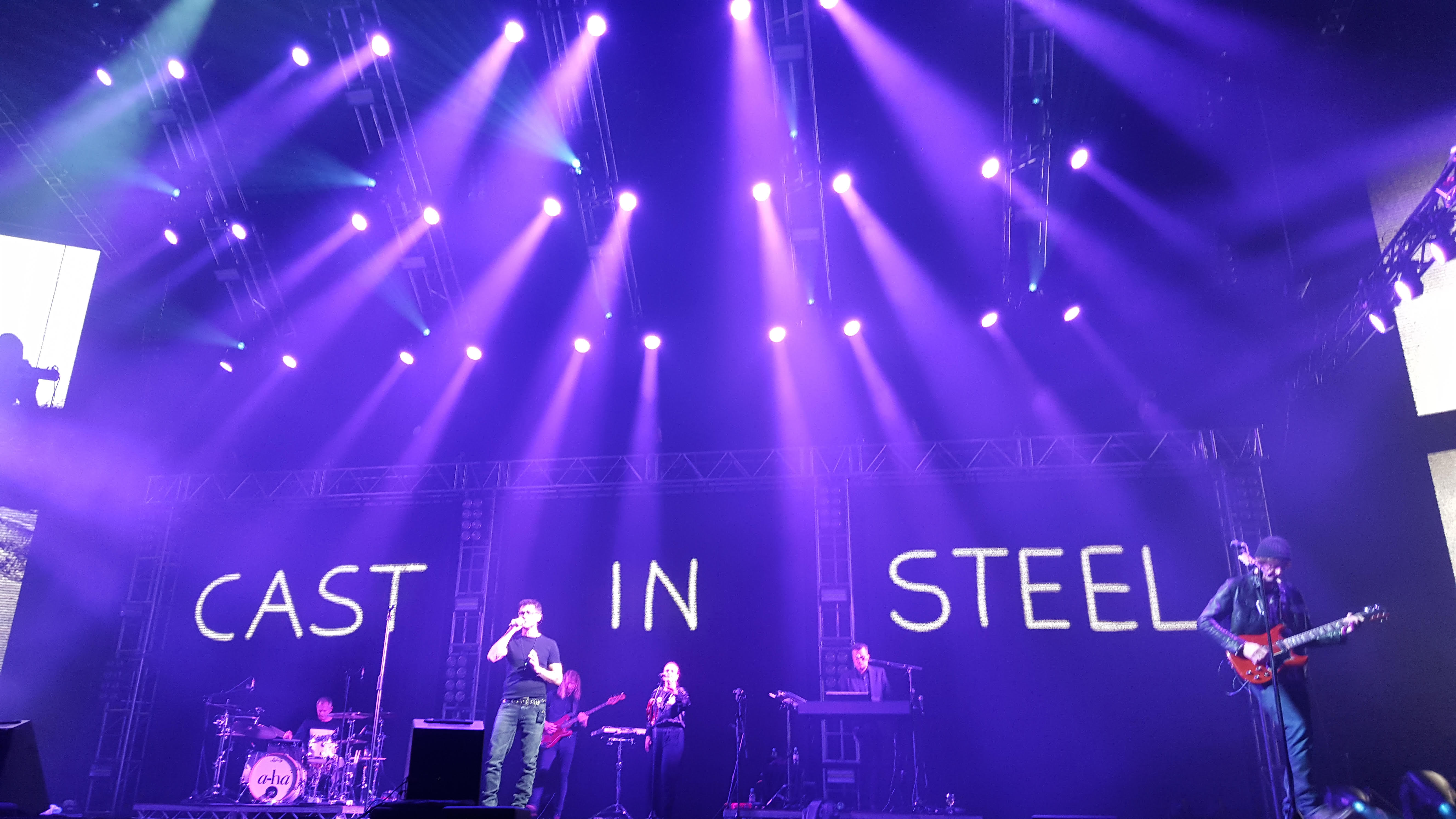 a-ha Cast in steel tour - Oslo Spektrum