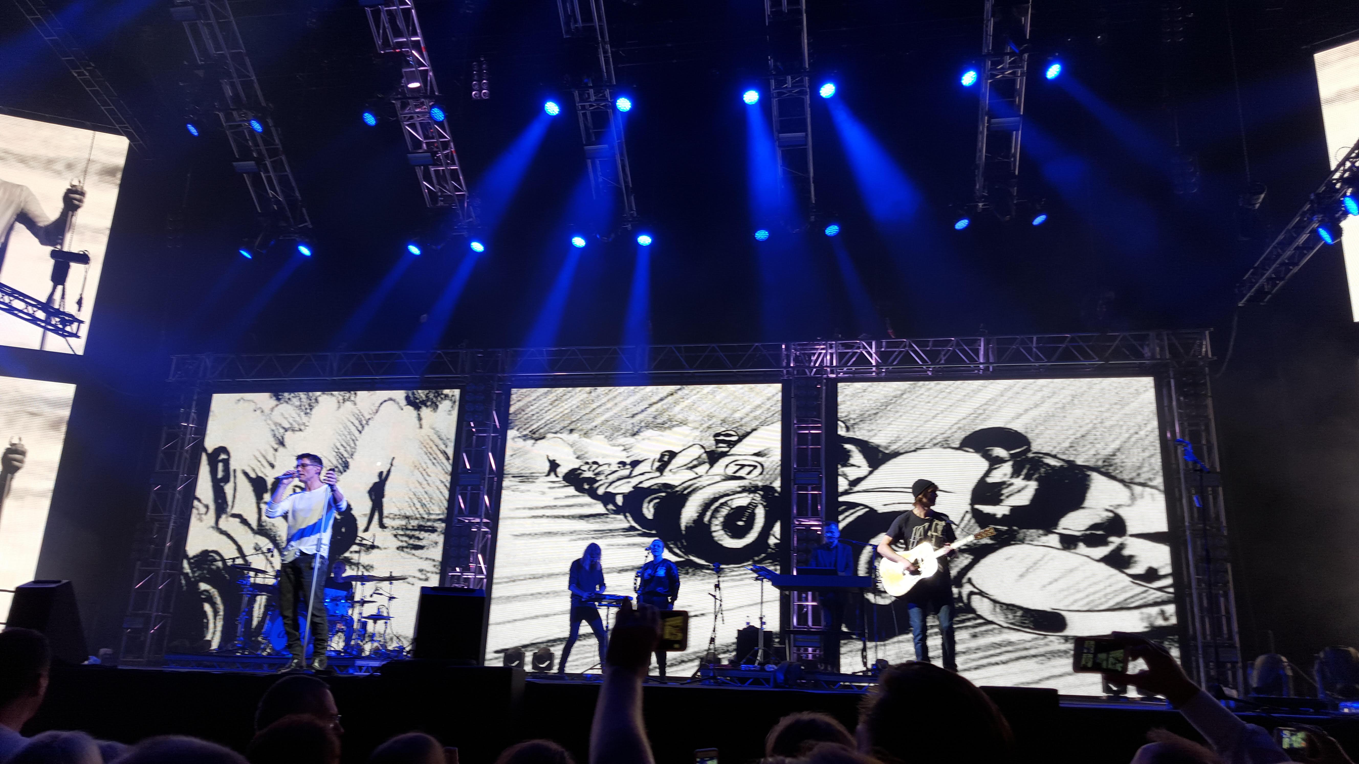 a-ha - Take On Me performance at Oslo Spektrum