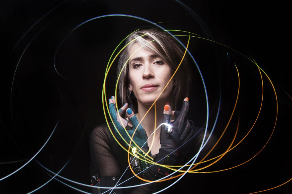Imogen Heap reinvents the concert format in the image of her distinct brand in New York City